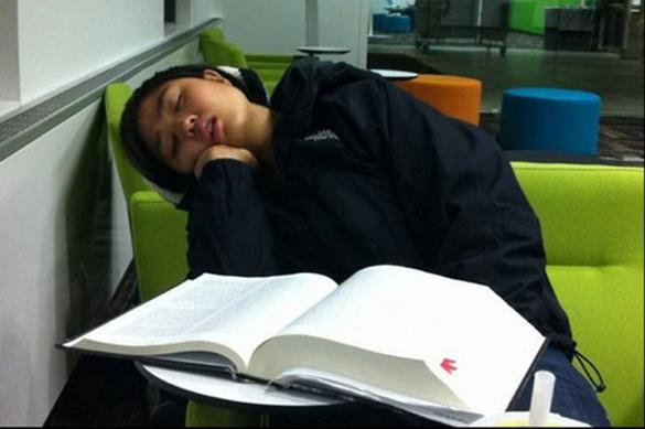 Сон может являться следствием скуки. 376686.jpeg