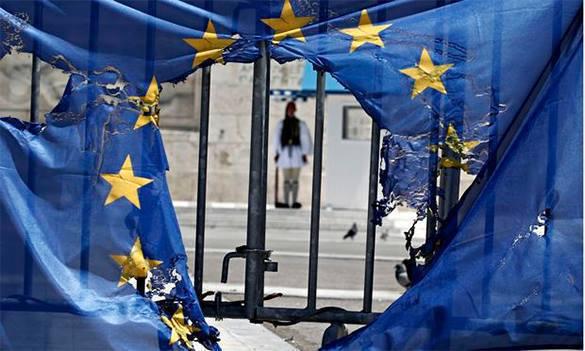 Афинам отказали в европейской помощи. дыра в еврофлаге