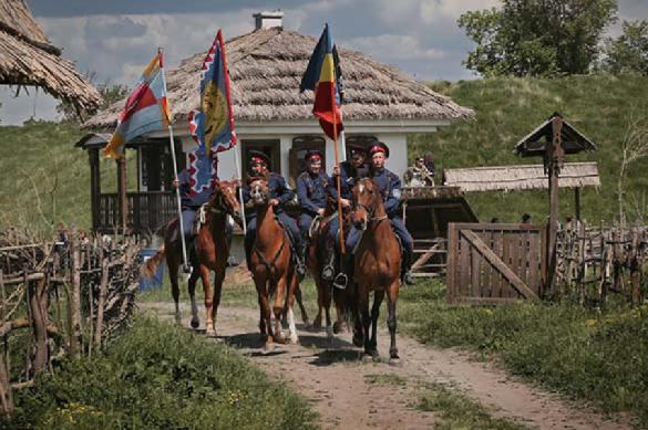 Ростовские казаки пообещали не забивать геев нагайками. 387687.jpeg