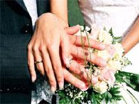 Россияне высказались за официальный брак