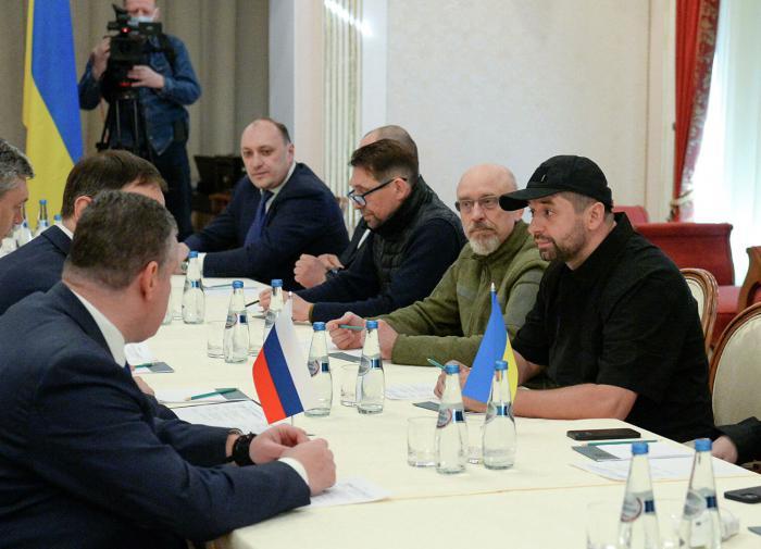 Причиной пожара в квартире сына Кузьмина стало курение