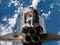 На орбите готовятся к стыковке шаттла с МКС