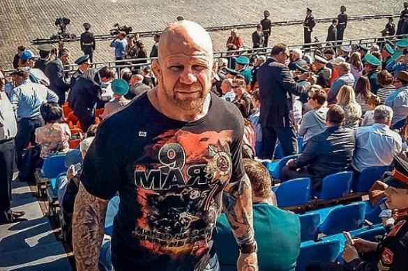 Боец Джефф Монсон поздравил россиян с Днем Победы. 403689.jpeg