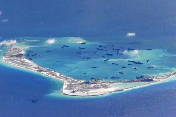 Китай обвинил США в морском вторжении около Спратли.