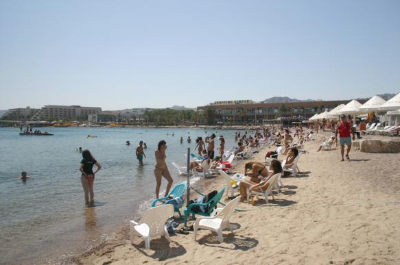 Нетаньяху пришел на пляж в Израиле и призвал отдыхающих идти на выборы. 402692.jpeg
