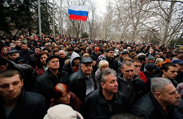 На восточной Украине продолжаются митинги в поддержку России. 289693.jpeg