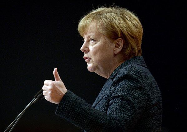 Ангела Меркель и Владимир Путин планируют 10 мая провести переговоры. Меркель