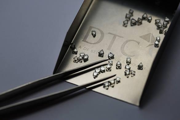 Американские физики создали тягучие алмазы из графена