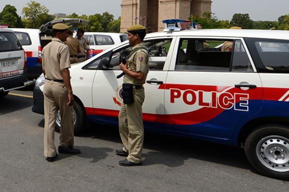 Автомобиль врезался в здание школы в Индии: погибли 9 детей. Автомобиль врезался в здание школы в Индии: погибли 9 детей