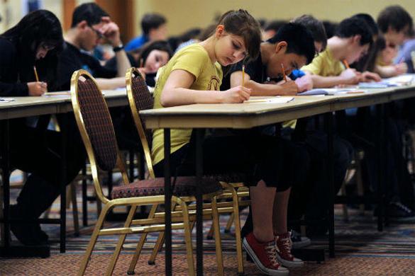 Тысячи школьников в США бойкотируют тест по английскому. В США школьники бойкотируют тест по английскому языку