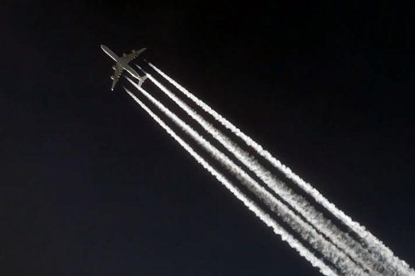 """Поклонники теории заговора: 10% американцев верят, что авиалайнеры распыляют """"подавляющие"""" химикаты. 378698.jpeg"""