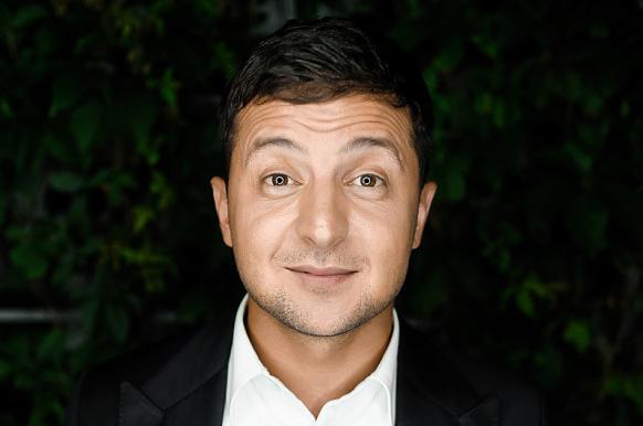 Лидер президентской гонки Зеленский пообещал посадить Порошенко.