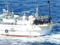 Подозрительное судно движется к берегам КНДР