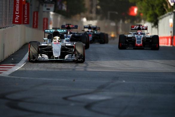 Российские туристы стремятся в Баку на гонки Формулы-1
