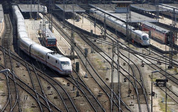 Украина закрывает автомобильное и железнодорожное сообщение с Крымом. 307705.jpeg