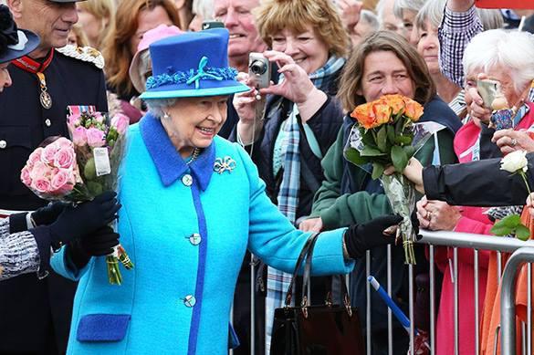 Елизавета II через год отречется от престола в пользу сына. Елизавета II через год отречется от престола в пользу сына
