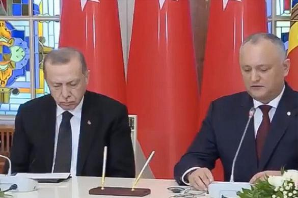 Эрдоган снова уснул на встрече с очередным президентом. 393705.jpeg