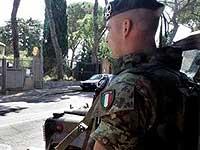 Берлускони пообещал, что 500 итальянских солдат вернутся из