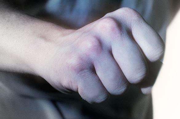 В Петербурге учитель избил школьника на уроке физкультуры