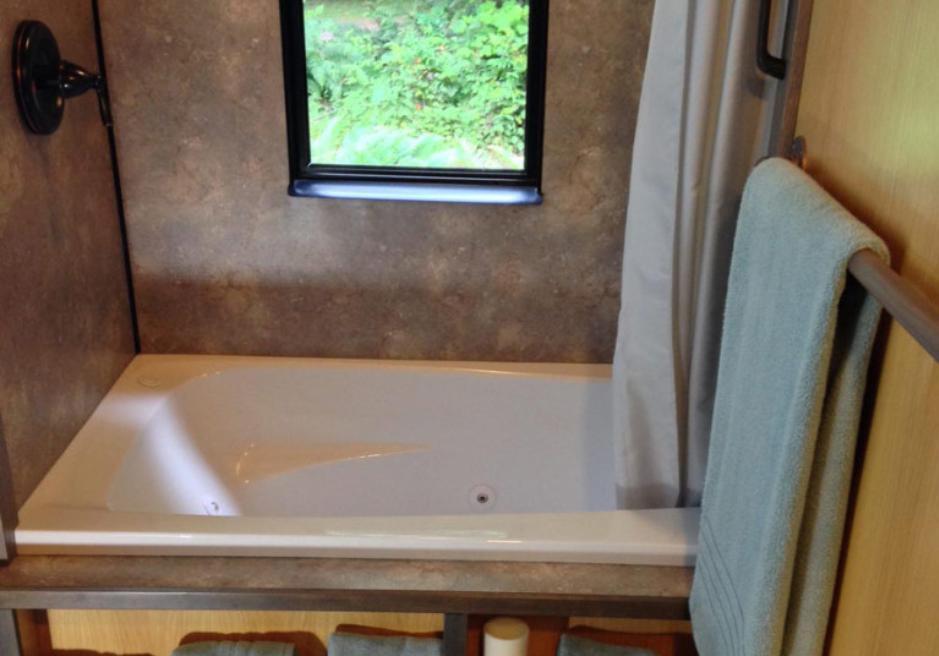 Маленький и уютный дом: обычный парень построил его своими руками. 404707.jpeg