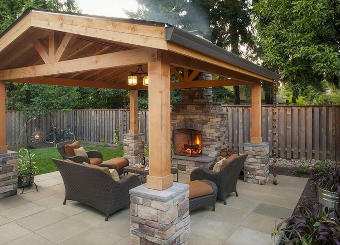 Американец попытался взять кассу на бензоколонке с игрушечным