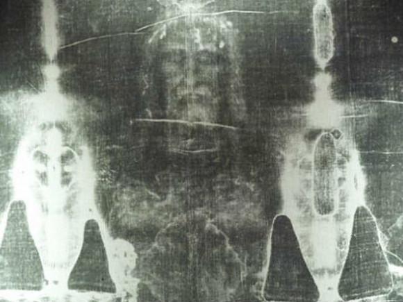 Ученые: обернутого Туринской плащаницей человека жестоко казнили