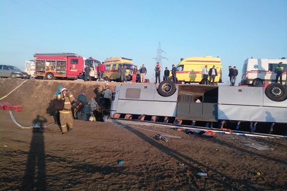 У Керченской переправы перевернулся пассажирский автобус: жертв нет. 376708.jpeg