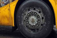 В Тюмени сгорел автобус на остановке