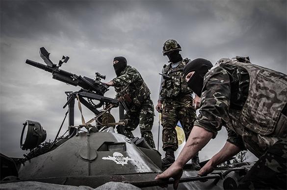 В Донбассе из-за обстрела горит Авдеевский коксохимический завод
