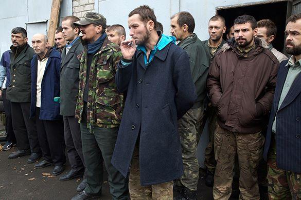 Ополченцы помиловали 822 киевских военных. 301714.jpeg