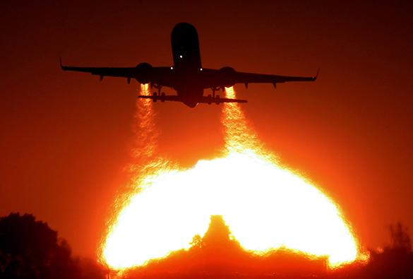 Wizz Air уходит с украинского рынка. самолет, полет, авиаперевозки, боинг, закат