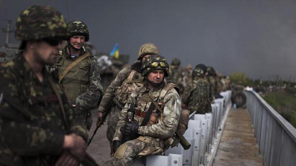 """С горы Карачун украинские войска обстреляли """"Славтяжмаш"""". Один цех горит. ВИДЕО. Славянск"""