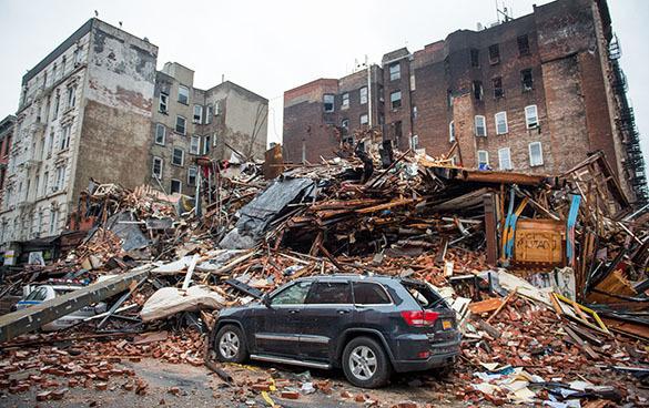 Взрывы на Манхэттене произошли из-за попыток украинских беженцев воровать газ из газопровода. 316718.jpeg