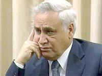 Экс-глава Израиля требует судить его публично