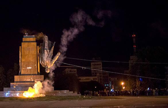 Мэр Харькова: задача власти - восстановить памятник Ленину, а полиции – найти виновных. 299719.jpeg