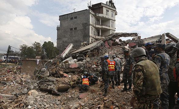 Спасатели МЧС России приступили к работам в Непале. Непал