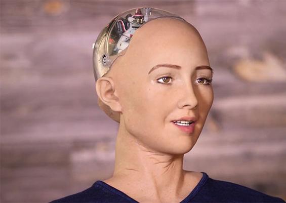 Первая женщина-робот приехала в Москву. Первая женщина-робот приехала в Москву