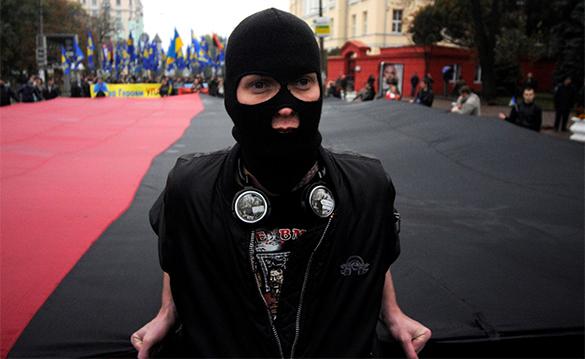 Карманные боевики украинской власти составили расстрельные списки оппозиционеров. боевик, украина, националист, каратель