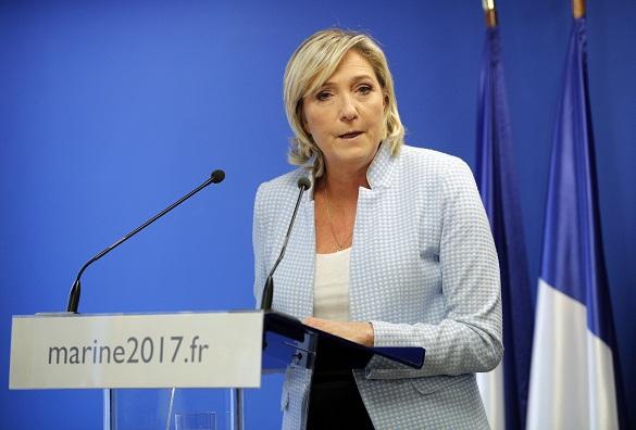 Марин Ле Пен: Евросоюзу пора отказаться от евро