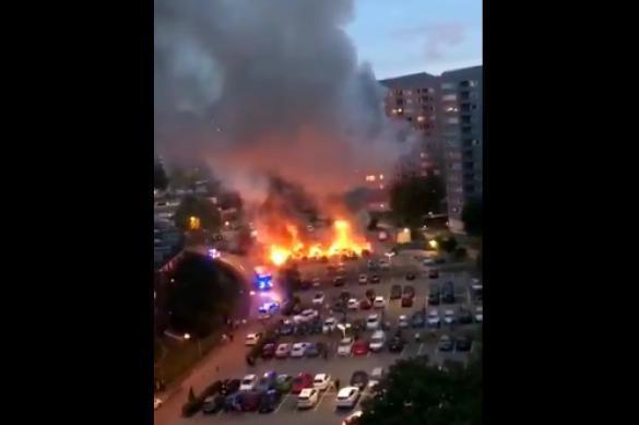 Ночь огня: люди в черном сожгли в Швеции сотни автомобилей. 390723.jpeg