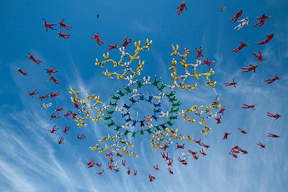 В Аризоне во время прыжка группы скайдайверов погибла женщина. 290725.jpeg