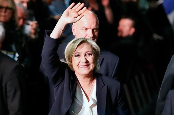 Французские следователи потребовали отнять ЛеПен парламентского иммунитета