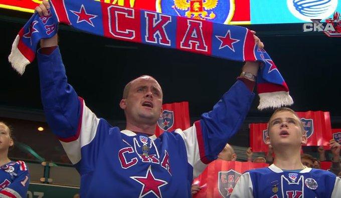 Фанаты не дали смолкнуть гимну России. Фанаты не дали смолкнуть гимну России