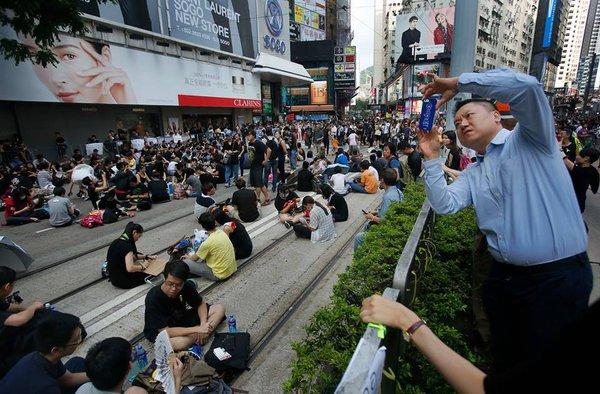 Дмитрий Мосяков: События в Гонконге – игра Запада, призванная сдержать сближение России и Китая.