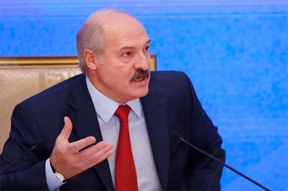 Чтоб не ползать не коленях — Лукашенко требует изобрести новый