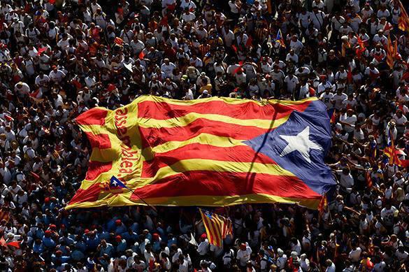 Испанская милиция закрыла 1300 избирательных участков вКаталонии