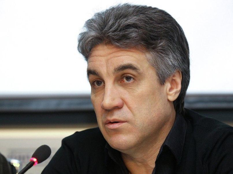 Режиссер Крыма попросил Киев выдать прокатное удостоверение фи