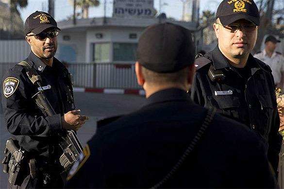 Полиция штурмовала родителей, 14 лет не выпускавших сына на улиц
