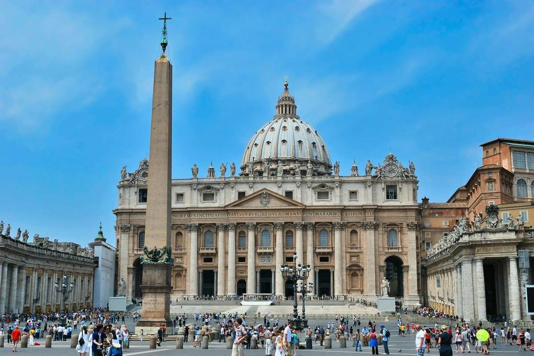 Ничего святого: Ватикан запретил пторговать зубами святых. Ничего святого: Ватикан запретил пторговать зубами святых