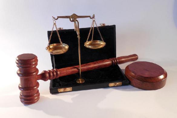 """Судьи хотят наказывать за """"скандализацию суда""""."""